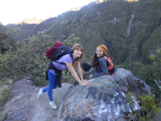 dos chicas en el Volcán Baru