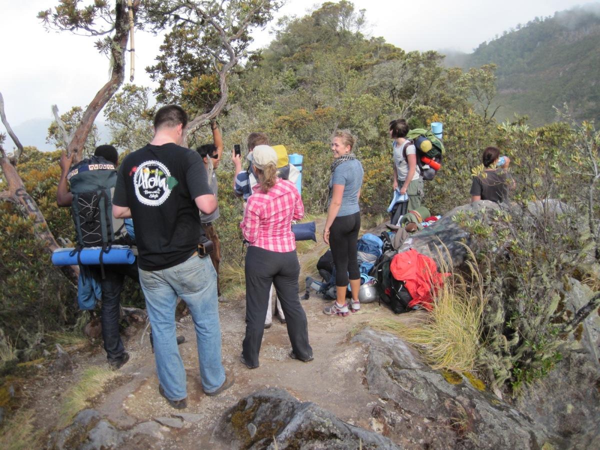 grupo en el bosque del Volcán Baru