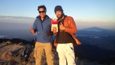 took her friend Teddy to the top
